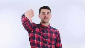 Teleurgestelde jonge mens stock footage