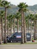 Televisione russa vicino al parco olimpico GRAN PREMIO RUSSO 2014 di FORMULA 1 di Soci Autodrom Immagini Stock Libere da Diritti
