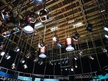 Televisionstudio - raster av ljus royaltyfria foton