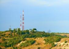 Telewizi wierza na górze wzgórza saratov fotografia stock
