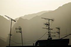 Telewizyjni antennae na dachu fotografia stock