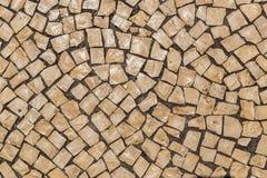 Telha da rua em Portugal Pedra clara como um material de pavimentação fotografia de stock royalty free