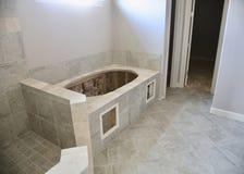 Telha do banheiro e trabalho da remodelação fotografia de stock royalty free