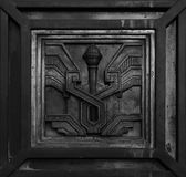 Telha gravada na porta principal foto de stock