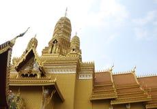 Telhado acima do templo dourado imagem de stock royalty free