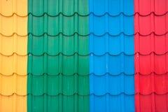 Telhado colorido da folha de metal Fotografia de Stock