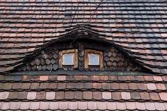 Telhado telhado com dois Windows fotografia de stock royalty free
