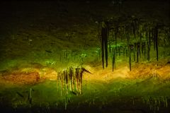 Telhado da caverna do PROMETHEUS no kutaisi fotografia de stock