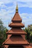 Telhado da madeira de Tailândia Fotografia de Stock