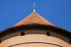 Telhado da torre do castelo de Trakai perto de Vilnius Imagem de Stock
