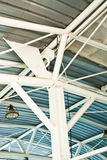 Telhado de aço da balsa. foto de stock