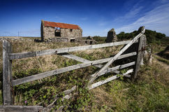 Telhado de oxidação da fazenda. imagem de stock