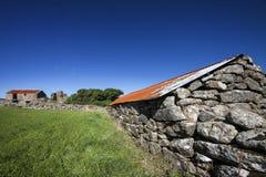 Telhado de oxidação da fazenda. Imagens de Stock