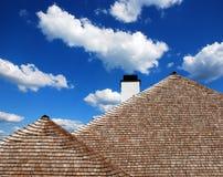 Telhado de telhas de madeira Imagem de Stock Royalty Free
