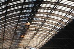 Telhado do estação de caminhos-de-ferro Fotos de Stock