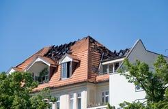 Telhado do incêndio fotografia de stock