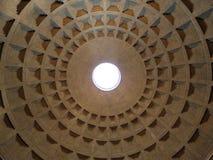 Telhado do panteão em Roma fotografia de stock royalty free