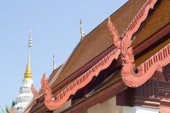 Telhado do templo de Wat Hua Kuang foto de stock
