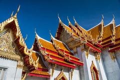 Telhado do templo de Wat Phra Kaew Grand Palace, Emerald Buddha Banguecoque, Tailândia Fotos de Stock