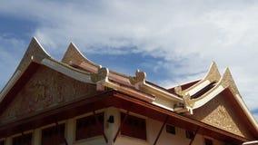 Telhado do templo em Tailândia WatPradhatchohar Fotografia de Stock