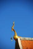 Telhado do templo tailandês fotografia de stock royalty free