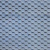 Telhado e decoração modernos das chaminés Telhas flexíveis do betume ou da ardósia fotografia de stock