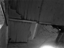 Telhado esmagado imagem de stock