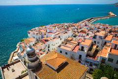 Telhado vermelho de Peniscola, Espanha Fotos de Stock