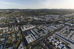 Telhados da autoestrada e do apartamento de Ventura 101 em Los Angeles Califo Foto de Stock