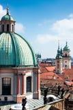 Telhados de Praga velha foto de stock royalty free