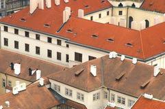 Telhados de telha de Praga Imagens de Stock