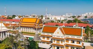 Telhados de Wat Arun, o Temple of Dawn, Banguecoque Imagens de Stock Royalty Free