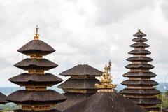 Telhados do templo de Pura Besakih, ilha de Bali Foto de Stock Royalty Free