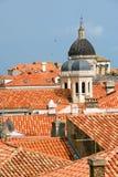 Telhados do vermelho de Dubrovnik fotografia de stock