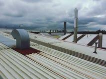 Telhados industriais fotos de stock