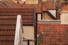 Telhados, telhas e chaminés imagens de stock