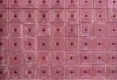 Telhas cor-de-rosa na fachada portuguesa fotografia de stock royalty free