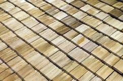 Telhas de madeira do telhado Imagens de Stock