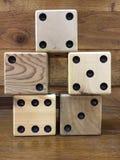 Telhas de madeira de Mah Jong na tabela Foto de Stock Royalty Free