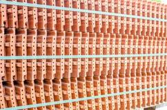 Telhas de telhado cerâmicas em uma pilha Foto de Stock