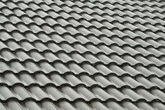 Telhas de telhado cinzentas na chuva Imagens de Stock Royalty Free