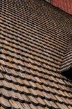 Telhas de telhado de madeira na igreja velha de Gamla Upsália Foto de Stock Royalty Free