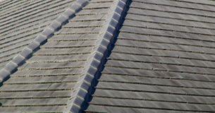 Telhas de telhado de pedra cinzentas Fotografia de Stock