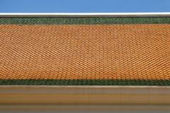 Telhas de telhado do templo tailandês Imagem de Stock