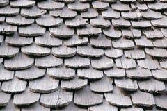 Telhas de telhado feitas do fundo de madeira da textura Fotos de Stock Royalty Free
