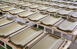 Telhas de telhado na fábrica Imagens de Stock