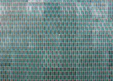 telhas de Verde-turquesa na fachada portuguesa foto de stock