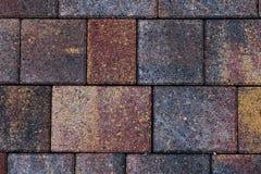 telhas do pavimento na cor marrom amarela e cinzenta fotos de stock
