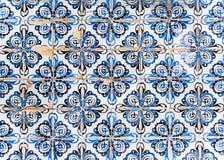 Telhas velhas bonitas portuguesas típicas fotografia de stock royalty free