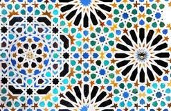 Telhas vitrificadas, azulejos, palácio de Alhambra em Granada, Espanha imagem de stock